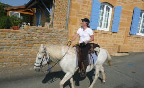 Lumière, guided horse-riding tourism